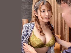 新村あかりの童貞筆おろし企画!超ナイスバディな巨乳お姉様といきなりディープセックス!